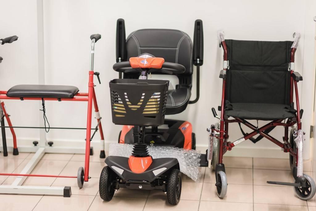 chaise roulante et aides la mobilit orthop die toussaint. Black Bedroom Furniture Sets. Home Design Ideas