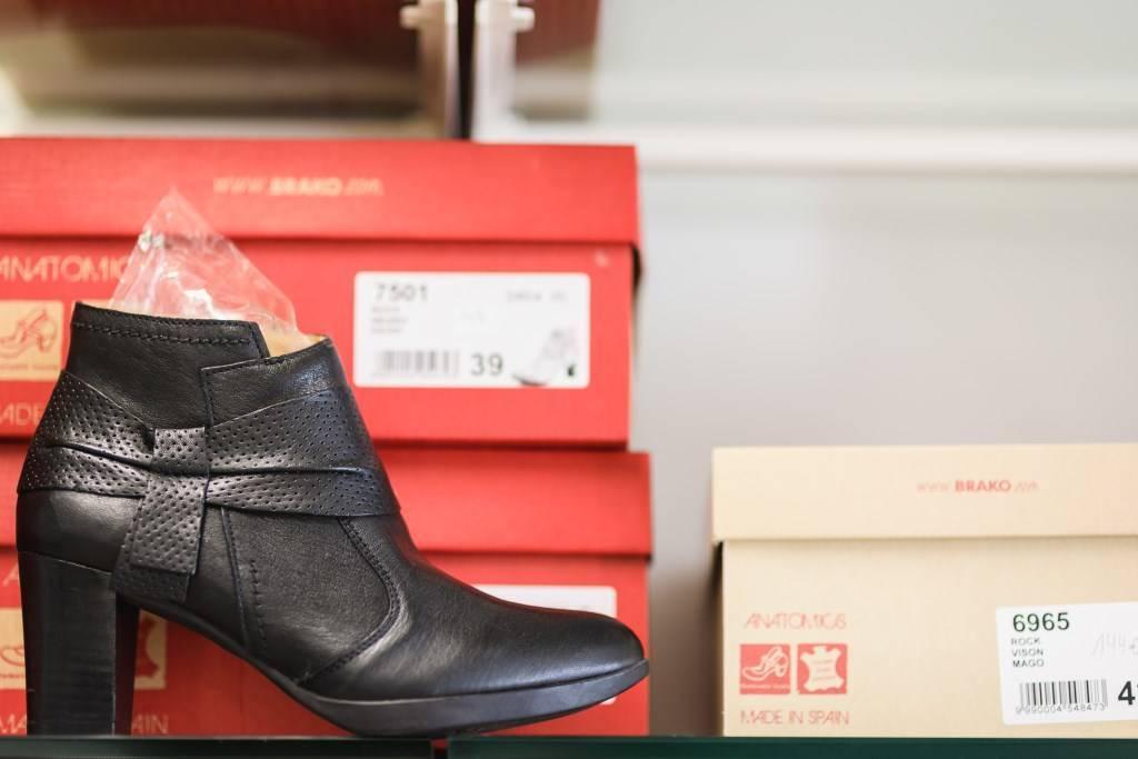 Orthopedie-Toussaint_chaussures-therapeutique-de-serie