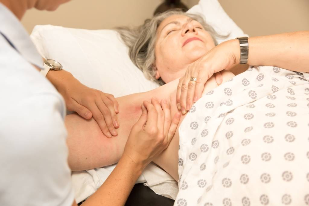 Orthopedie-Toussaint-Lymphoedeme-cancer-du-sein-traitement-compression-orthopedie