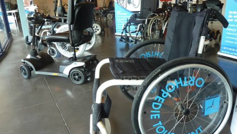 Le fauteuil roulant ou scooter adapté à vos besoins